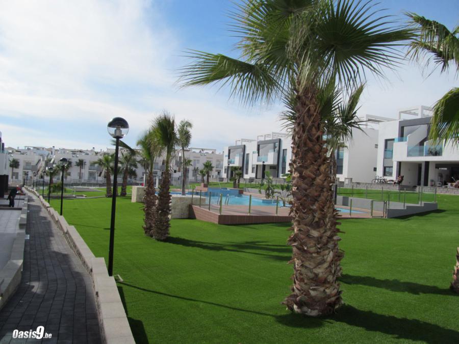 Een Ontspannen Vakantie in Oasis Beach 9 nabij La Zenia, Torrevieja